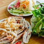bạn có thể lựa chọn để thưởng thức cho nhóm mình các món ăn ngon, rẻ mà không bỏ sót bất cứ một quán ăn vặt nào khi đến với Đà Lạt.