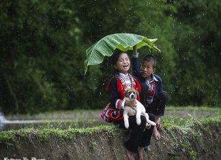 Cuộc sống của các em bé ở vùng cao cũng là một trong những đề tài được nhiếp ảnh gia quan tâm.
