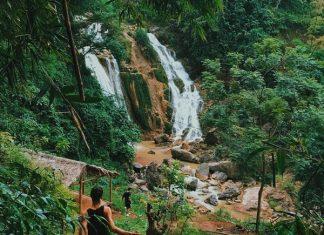 cái đẹp của Mai Châu chính là hành trình trên đường đi với khung cảnh mơ mộng ẩn sau những dãy núi, cánh rừng không tên không tuổi. Nguồn bài viết: https://www.khamphadisan.com/top-nhung-diem-den-nhat-dinh-phai-di-trong-mua-he-nay-o-mien-bac/