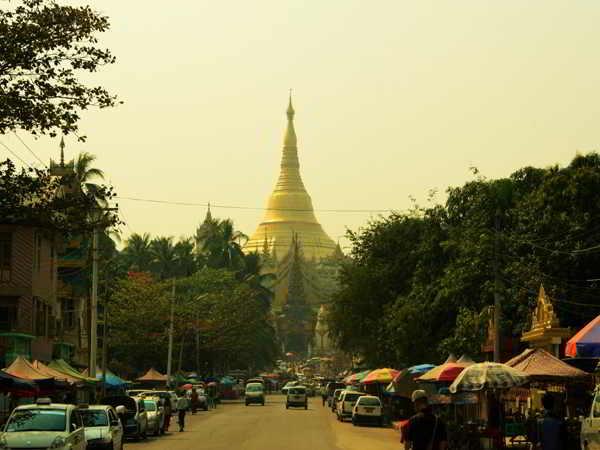 Theo chân đội tuyển Việt Nam trải nghiệm du lịch Myanmar