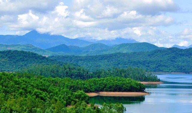 Hồ Phú Ninh mùa nước cạn