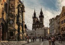 Khám phá các phố cổ nổi tiếng khắp Âu, Á