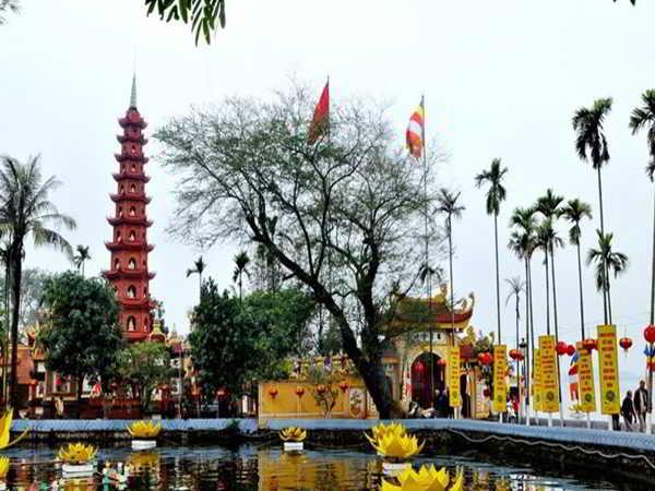 Tham quan Chùa Trấn Quốc – Ngôi chùa cổ nhất ở Hà Nội