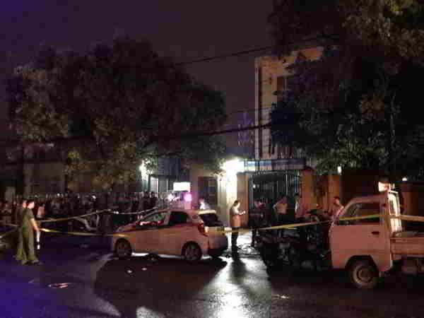 Người đàn ông đâm gục nữ tài xế taxi rồi dùng dao tự sát ở Hà Nội