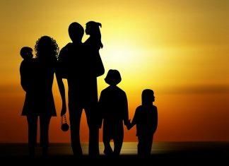 Mơ thấy bố mẹ chiêm bao thấy bố mẹ đánh con gì