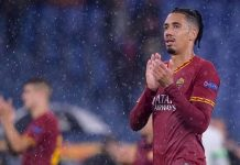 MU chốt giá bán đứt Chris Smalling cho AS Roma