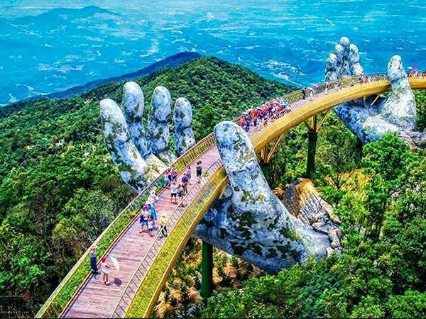 Chia sẻ kinh nghiệm du lịch Đà Nẵng tự túc: đừng bỏ qua Cầu Vàng!