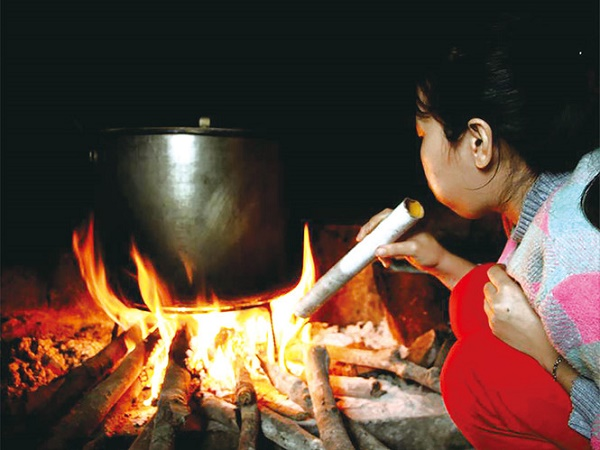 Mơ thấy lửa cháy trong bếp là điềm báo gì, đánh con nào?