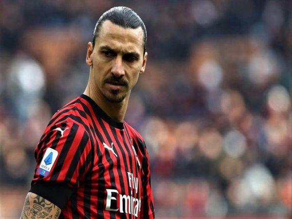 Ibrahimovic vừa về lại Milan hồi tháng 1. Sarri chia tay Juventus