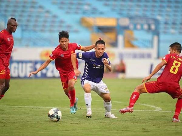 Bóng đá Việt Nam tối 2/10: Hà Nội FC chia điểm nhạt nhòa trước Thanh Hóa